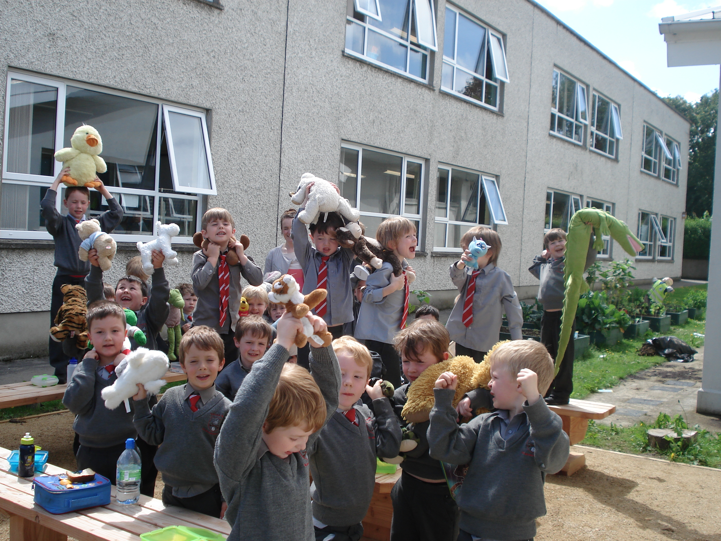 A photo of one of our outdoor Saint Laurences classes_5